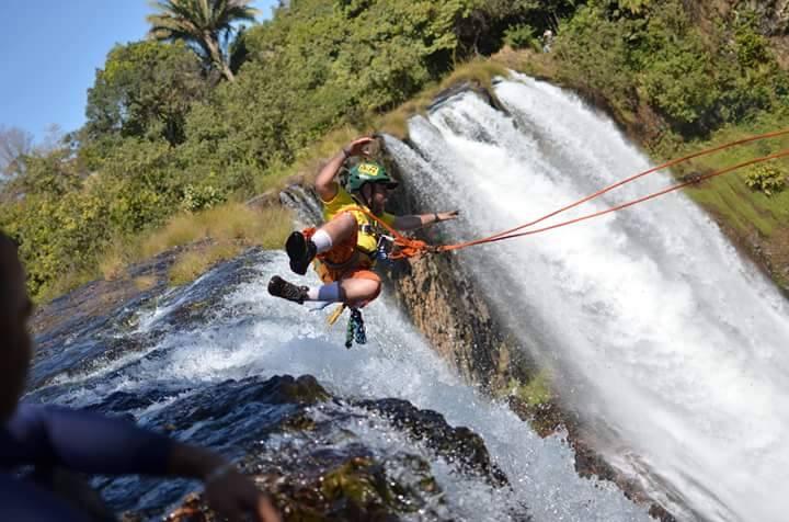 """Mega-Pêndulo"" Rope-Trips – Cachoeira da Fumaça – Uberaba – MG"